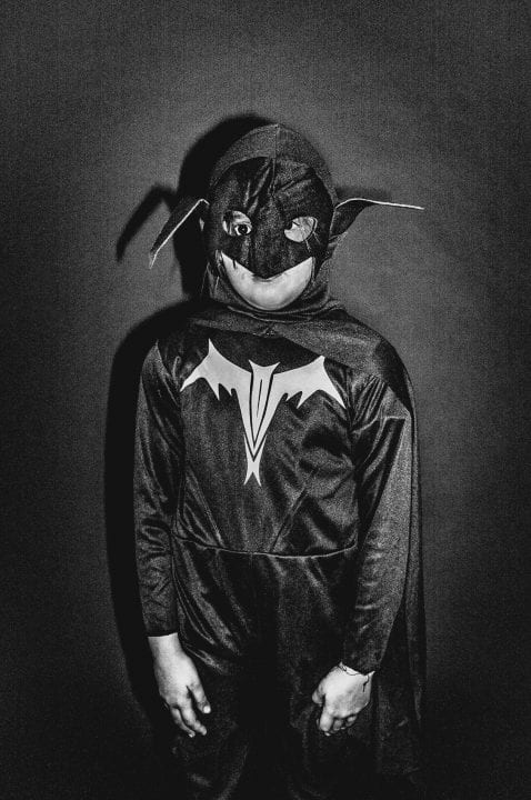 Schwarz-Weiß-Fotografie mit hohem Kontrast und Blitz von francesco merlini