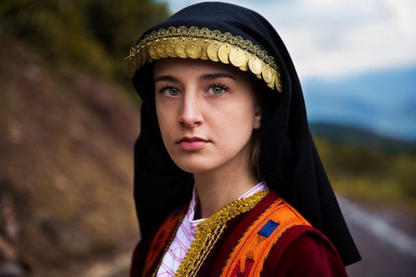 Griechenland Frau Porträtfotografie in Farbe von Mihaela Noroc, dem Atlas der Schönheitsserie