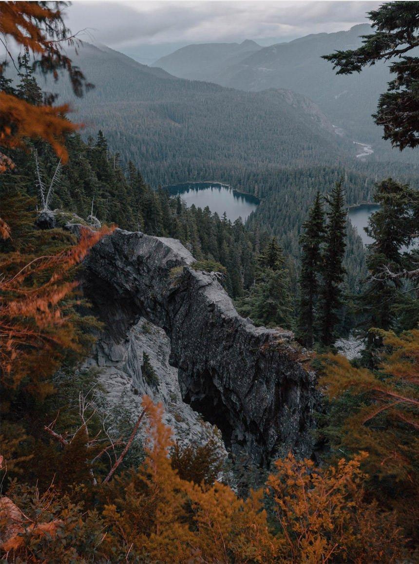 Landschaftsgebirgsfarbfotografie durch Cody Cobb