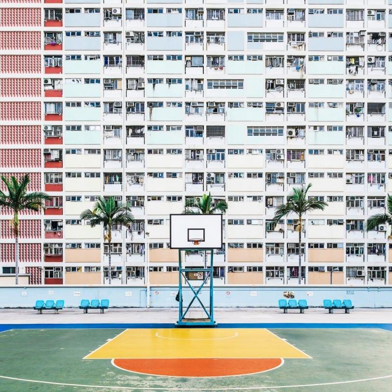 Playground Flavor -Guillaume Dutreix拍摄的香港篮球场彩色摄影