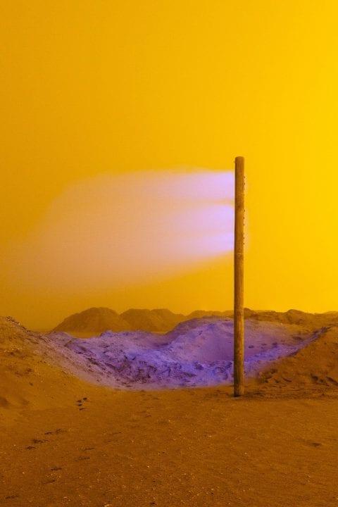 Farbfotografie, Landschaft, gelber Nebel mit lila Licht