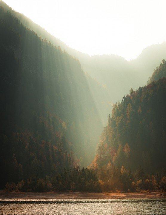 Landschaftsfotografie, Berg und Sonne durch Tal