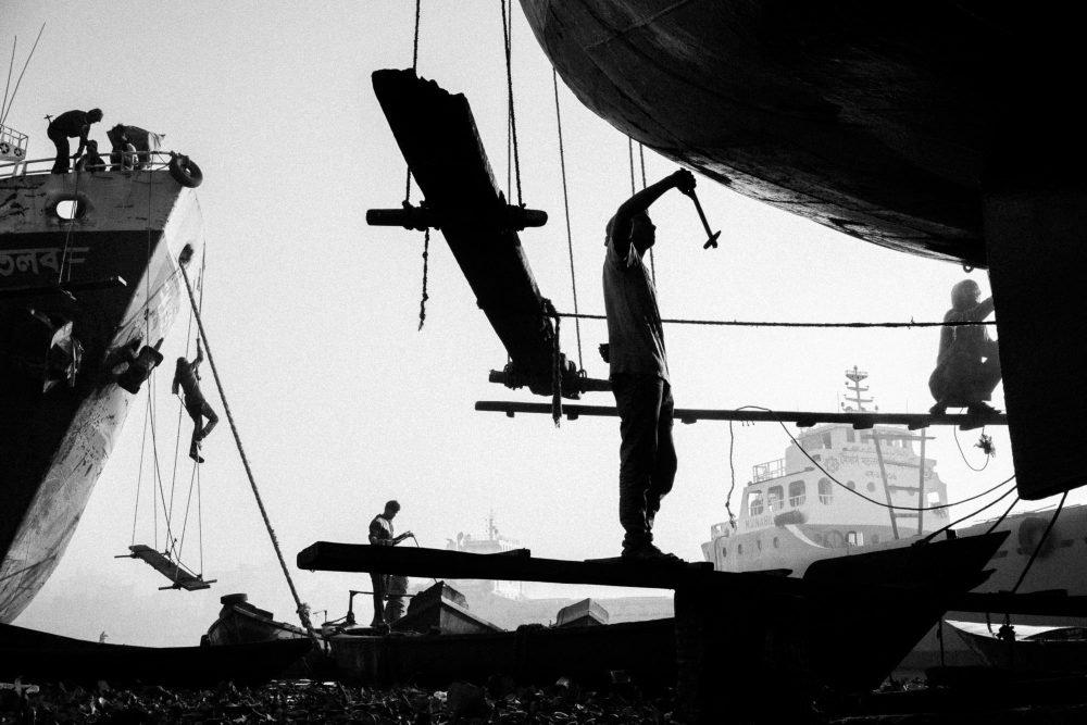 Dokumentarfotografie Schwarzweiß in Bangladesch Schiffswrack von Graeme Heckels