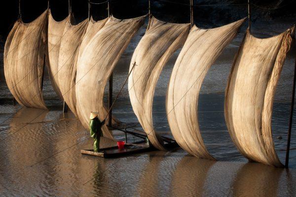 Reti da pesca essiccate al sole a Xiapu, provincia del Fujian, Cina Fotografia di Claire Tan