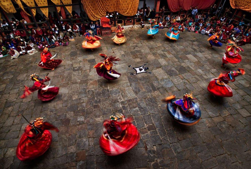 Tshechu Festival - Bhutan Ein jährliches religiöses bhutanisches Festival, das am zehnten Tag eines Monats des tibetischen Mondkalenders in jedem Distrikt oder Dzongkhag von Bhutan abgehalten wird.