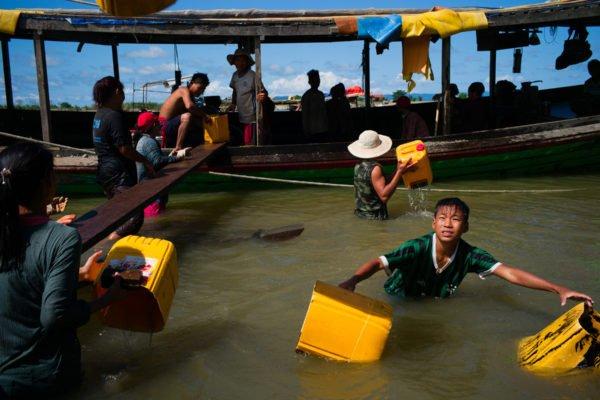 Street photography in Myanmar vom Fotografen Min Zaw Mra