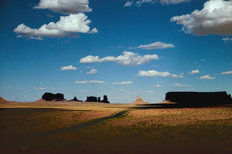 Photographie couleur, Nation Navajo, Arizona 1970 photographie d'Ernst Haas © Estate of Ernst Haas