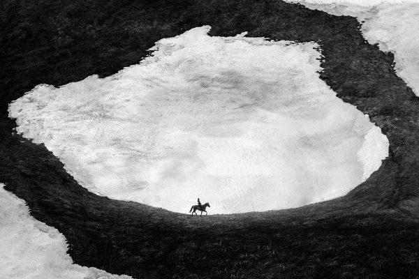 Black & white Foto, Landschaft, Mann, Pferd