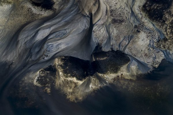 Color aerial, abstract, landscape photo by Uiler Costa-Santos, ocean, tide, coast, Brazil. From the series: Sizigia