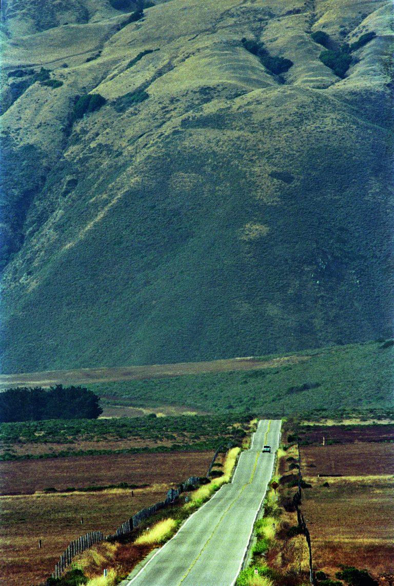 Fotografía en color de Bruce Davidson, Pacific Coast Highway, California, EE. UU., 1993