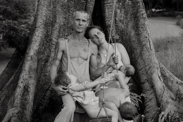 艾米·伍德沃德(Amy Woodward)在澳大利亚拍摄的中画幅模拟黑白肖像照片