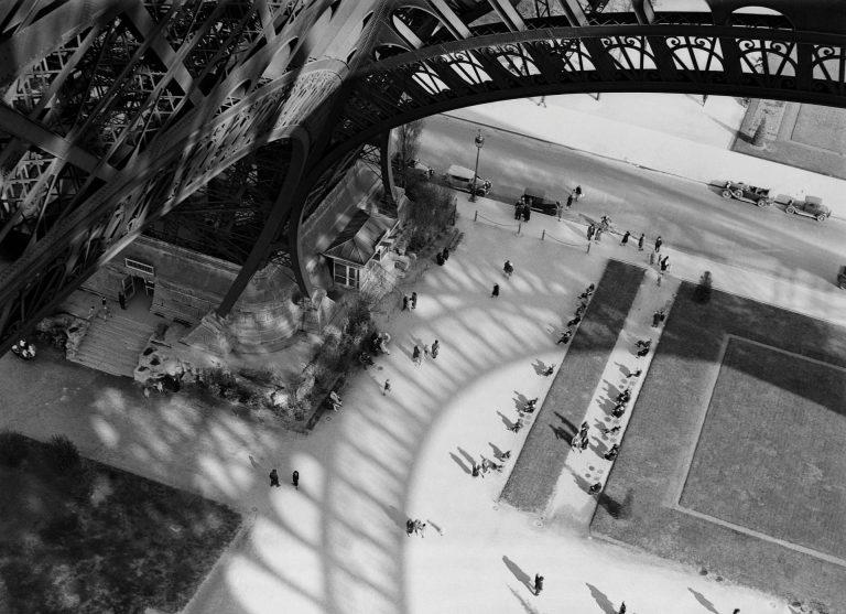 André Kertész,航拍图,巴黎,埃菲尔铁塔, Black & White, 1929